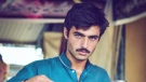 A photo of Arshad Khan that went viral, prompting a modelling contract from a Pakistani online retailer. (Jiah Ali/Instagram)