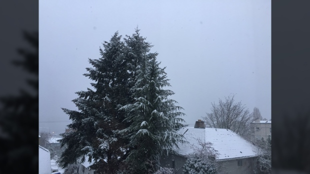 Snowfall warning still in effect Saturday for Metro Vancouver